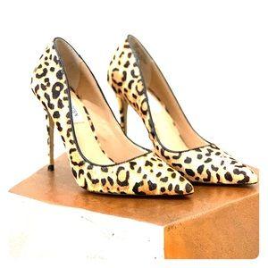 Slightly too small. Seeking cute feet :)